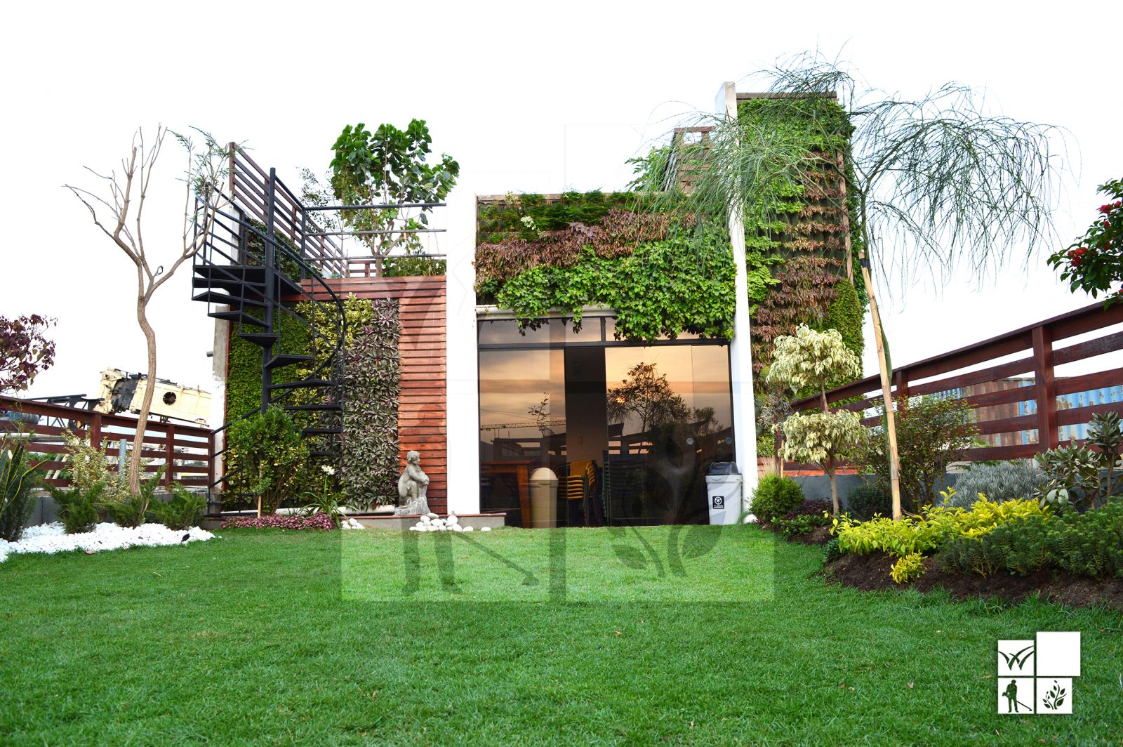 Greenwall paredes vegetales vivero chaclacayo for Paredes vegetales verticales