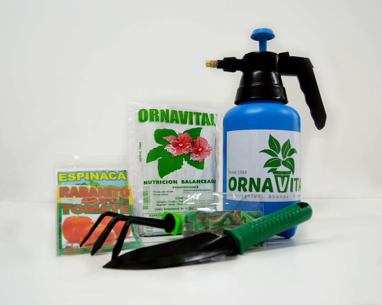 Kit jardineria familiar vivero chaclacayo for Viveros frutales wikipedia